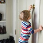 Выписать ребенка без его согласия