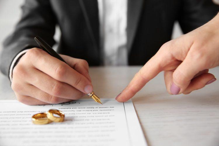 Где и как где заключается брачный договор, можно ли составить контракт во время брака