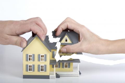 Как подарить долю в квартире без согласия второго собственника: можно ли это сделать и в чем особенность процедуры?